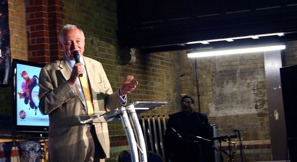 Ken Livingtone answering a question, when he met the Ibero American community in South London, Photo credit: Alba Madriz/Flickr