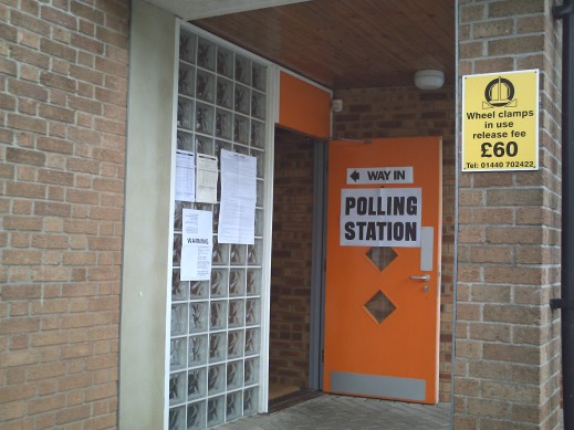 polling_station_in_haverhill_2007
