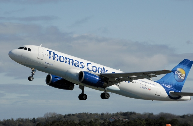 thomas_cook_a320-200_g-vced_arp